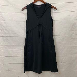 Athleta black sleeveless hooded dress sweat wick